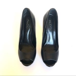 Aldo black leather peep toe pumps sz6